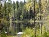 Rantamökiltä aukeava järvinäkymä