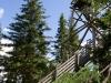 Torni on 18m korkea, mutta sijaitsee vaaran laella yli 300m merenpinnan yläpuolella.